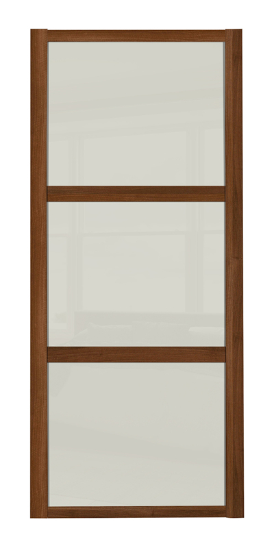 Shaker Wideline door with walnut frame and arctic white glass panels