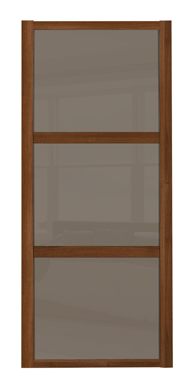 Shaker Wideline door with walnut frame and cappuccino glass panels
